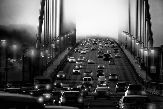Crossing the Bridge - fotokunst von Rob van Kessel