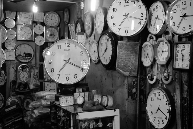 Clocks - fotokunst von Jagdev Singh