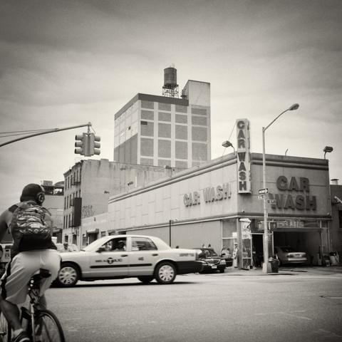 New York City - Car Wash - fotokunst von Alexander Voss