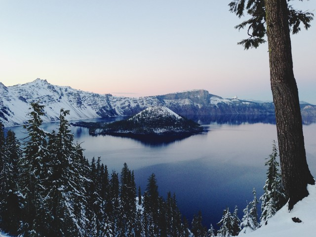 Crater Lake - fotokunst von Kevin Russ