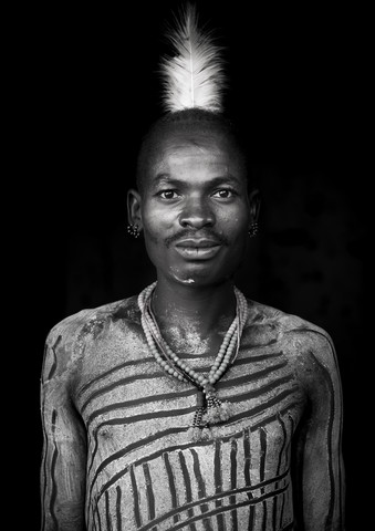 Bashada tribe man with body painting Ethiopia - fotokunst von Eric Lafforgue