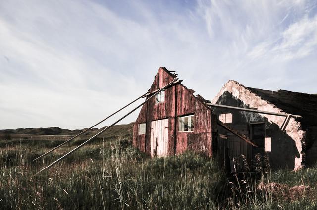 Icelandic Shack - fotokunst von Sebastian Berger