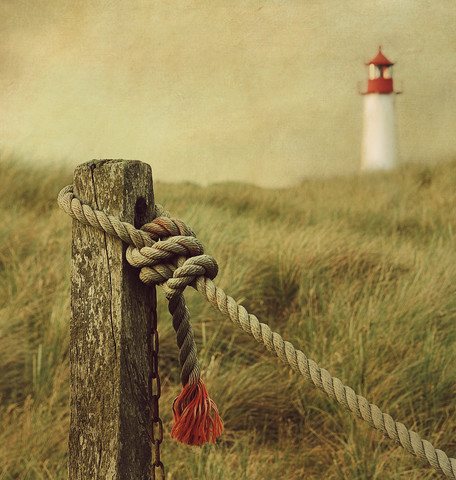 to the lighthouse - fotokunst von Hannes Cmarits