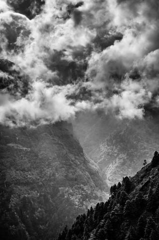Khumbu Valley - fotokunst von Michael Wagener