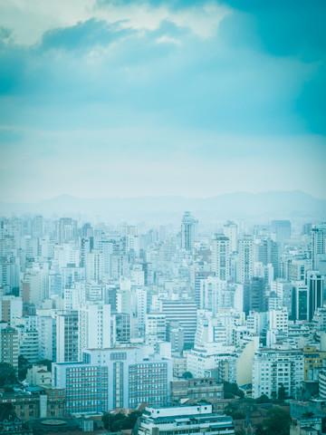 City in Blue 1 - fotokunst von Johann Oswald