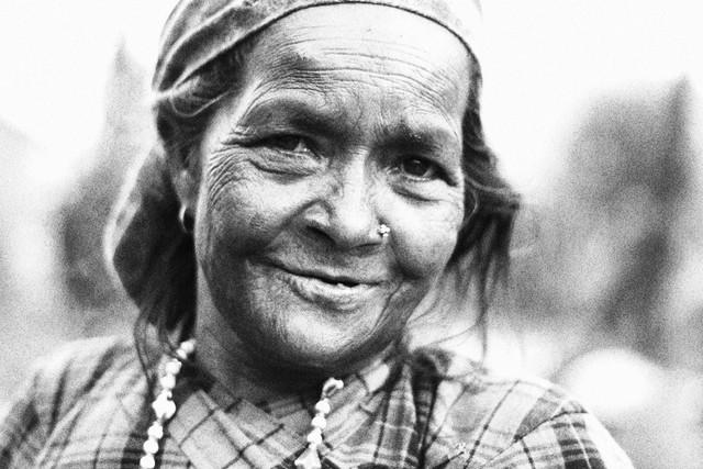 An old lady - fotokunst von Gaurav Dhwaj Khadka
