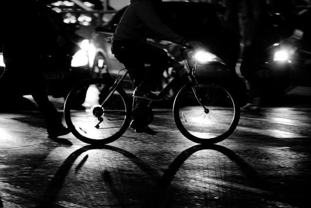busy crossing - fotokunst von Victor Bezrukov