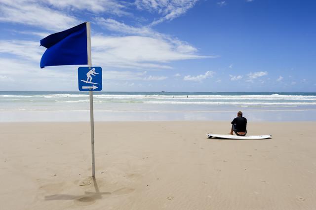 Waiting on a wave, Byron bay - fotokunst von Franzel Drepper