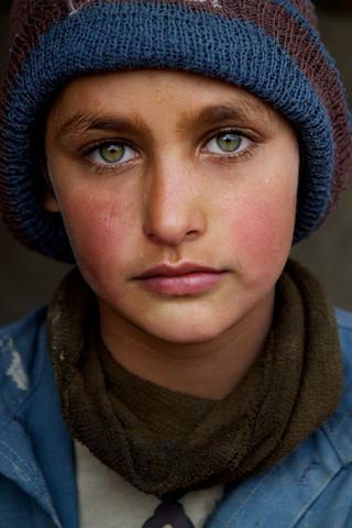 Refugee boy, Kabul - fotokunst von Christina Feldt