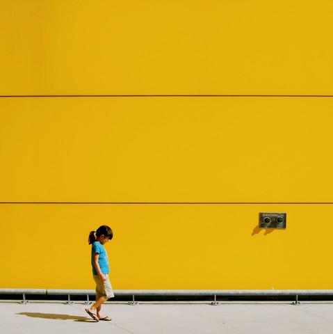 Ms. Little Sunshine - fotokunst von Jianwei Yang