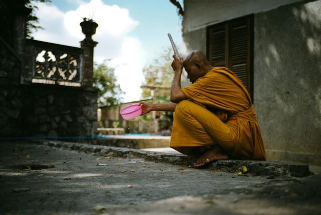 Cambodia Battambong - fotokunst von Jim Delcid