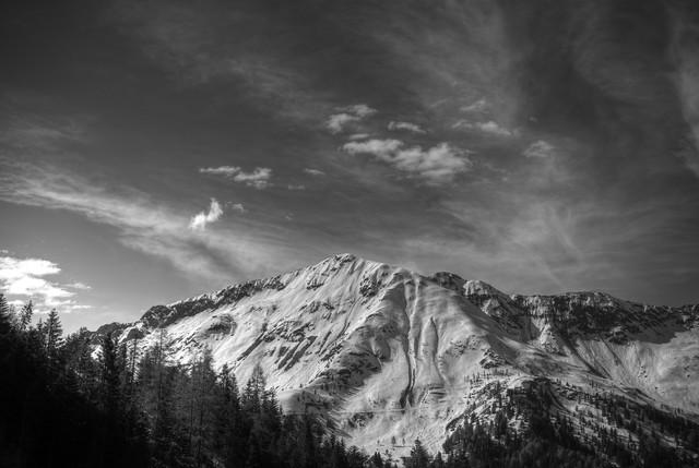 irgendein Berg II - fotokunst von Björn Groß