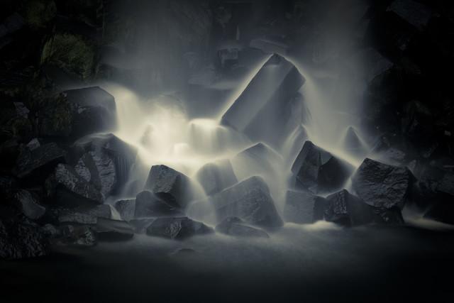 Svartifoss - fotokunst von Matthias Reichardt