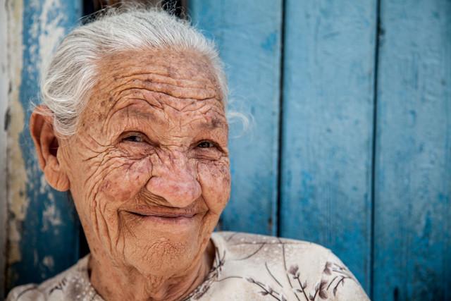 Die lachende Seniorin - fotokunst von Steffen Rothammel
