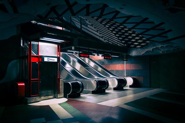 Im Untergrund - fotokunst von Torsten Muehlbacher