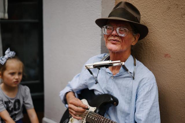 Old musician in New Orleans - fotokunst von Eike Loge