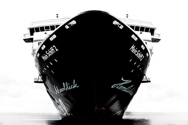 Mein Schiff 2 - fotokunst von Gregor Ingenhoven