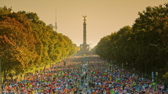 Berlin Marathon - fotokunst von Matthias Makarinus