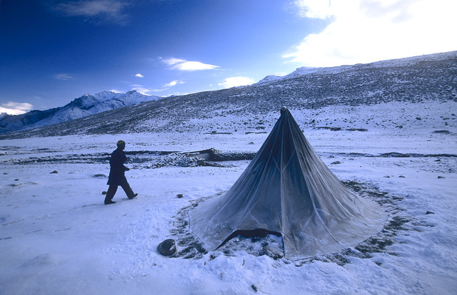 Snowy Parang La - fotokunst von Martin Seeliger