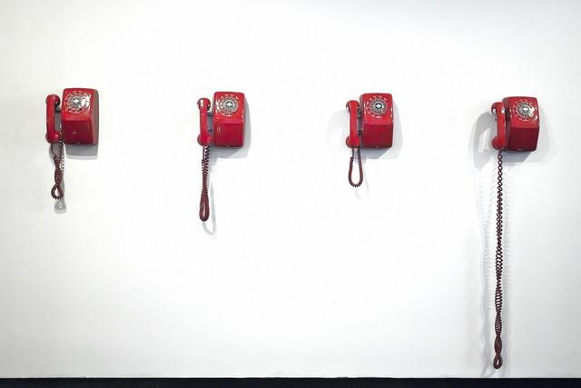 Telephones (in a hotel lobby) - fotokunst von Jeff Seltzer