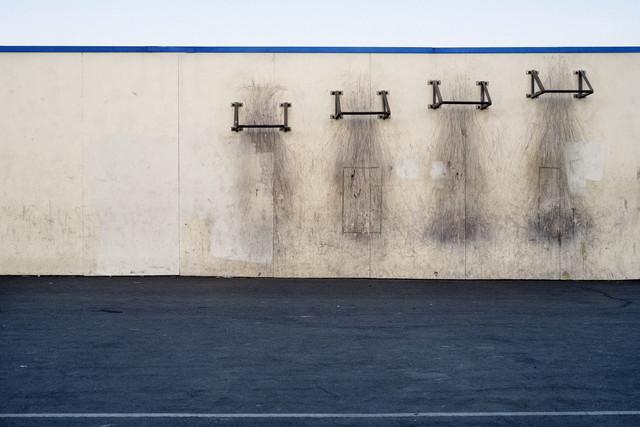 Middle School (Pull Up Bars) - fotokunst von Jeff Seltzer