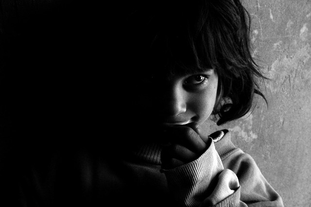 Unschuldige Augen - fotokunst von Rada Akbar