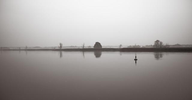 Grau - fotokunst von Andi Weiland