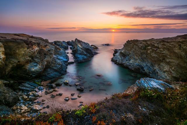 Portugal - Algarve Sonnenuntergang - fotokunst von Jean Claude Castor