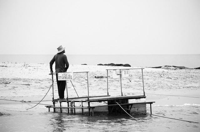 Ferry Service - fotokunst von Jochen Fischer