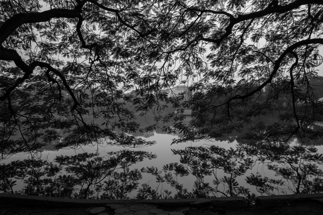 Friedvoller See - fotokunst von Philipp Weindich