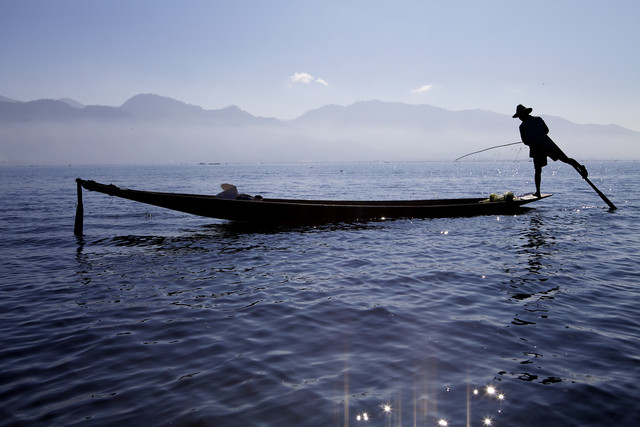Fisher at Inle Lake, Myanmar. - fotokunst von Christina Feldt