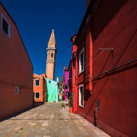 Venedig - Burano Studie #1 - fotokunst von Jean Claude Castor
