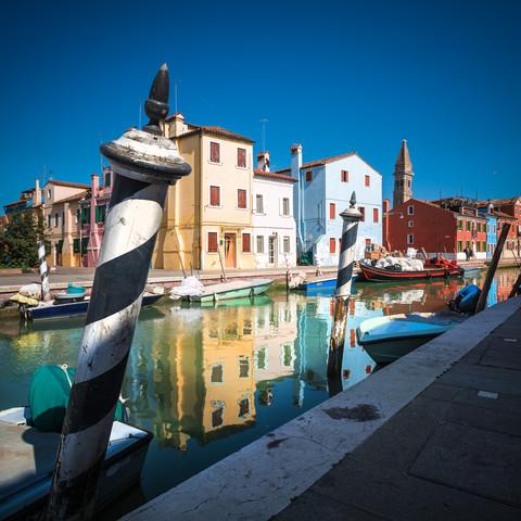 Venedig - Burano Studie #3 - fotokunst von Jean Claude Castor