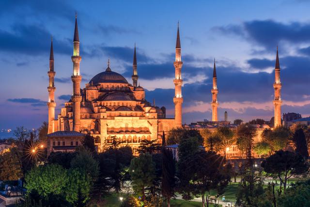 Istanbul - Sultan Ahmed I Moschee zur blauen Stunde - fotokunst von Jean Claude Castor