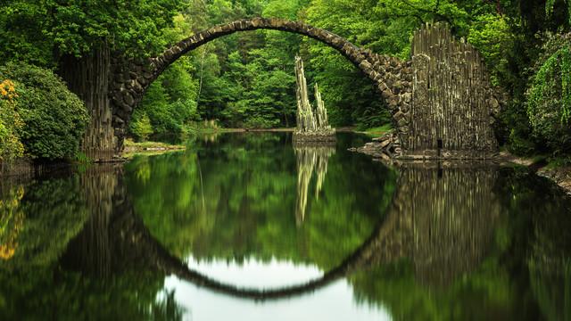 Kromlau - Rakotzbrücke - fotokunst von Jean Claude Castor