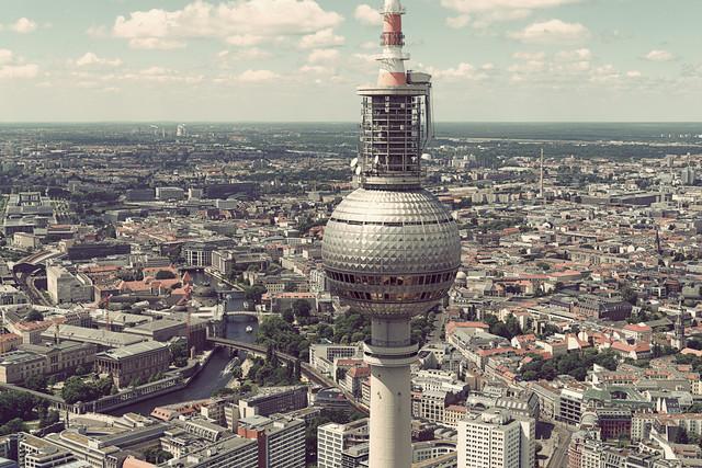 Fernsehrurm No. 2 - fotokunst von Michael Belhadi