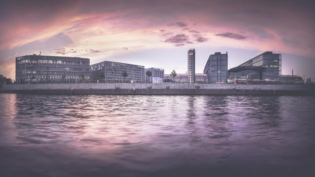 Hauptbahnhof Berlin - fotokunst von Ronny Behnert