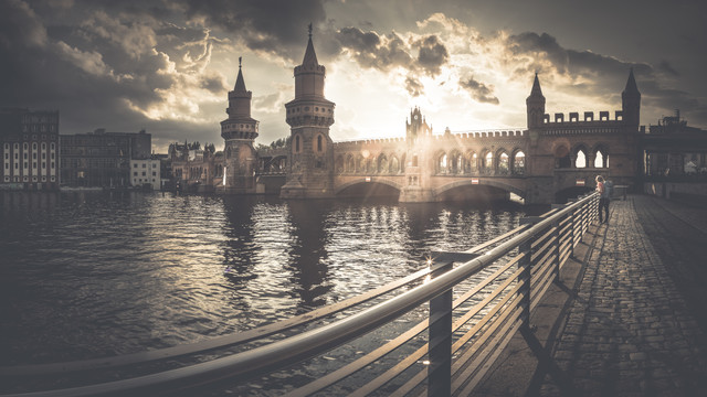 Oberbaumbrücke - fotokunst von Ronny Behnert