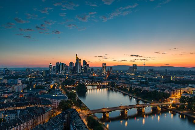 Frankfurt Skyline - fotokunst von Robin Oelschlegel