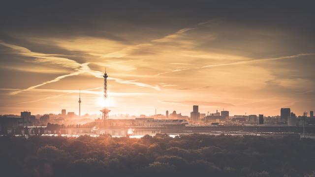Hauptstadt Skyline - fotokunst von Ronny Behnert