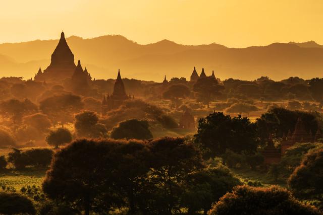 Burma - Bagan Sunset - fotokunst von Jean Claude Castor