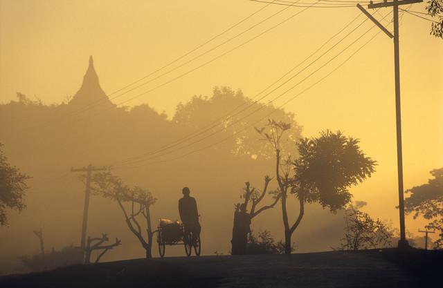Rikschafahrer - fotokunst von Martin Seeliger