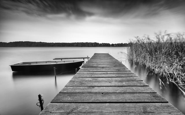 Bootssteg - fotokunst von Holger Nimtz