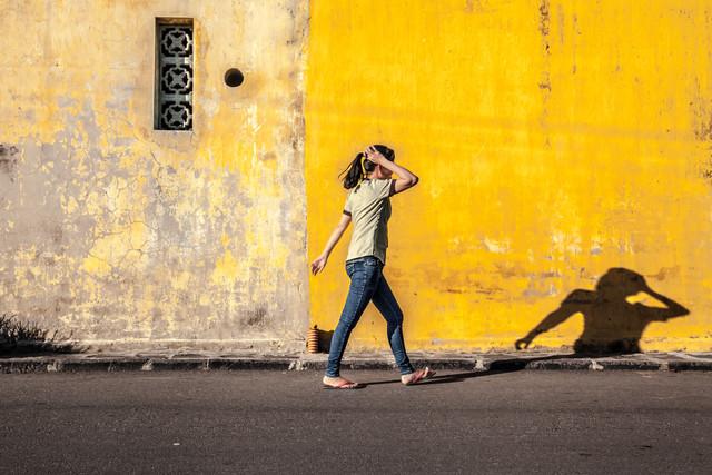 Good Night, Vietnam - Girl - fotokunst von Jörg Faißt