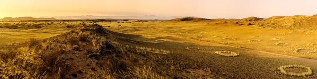 Sonnenuntergang im Namib - fotokunst von Michael Stein