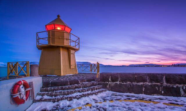 Der Leuchtturm von Reykjavik - fotokunst von Markus Van Hauten