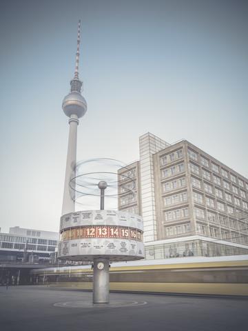 Fernsehturm - fotokunst von Ronny Behnert