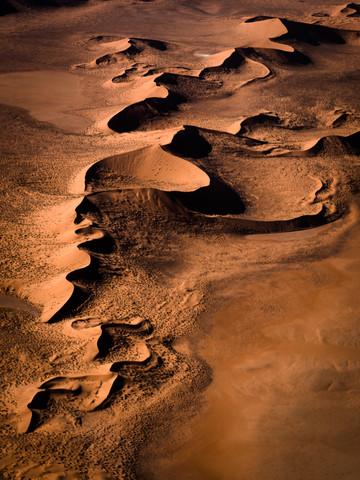 Bird`s eye view Namib desert Sossusvlei Namibia, Luftaufnahme Namibwüste Sossusvlei Namibia - fotokunst von Dennis Wehrmann