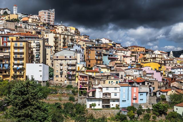 Bergstädtchen Lanusei (Sardinien) - fotokunst von Jörg Faißt