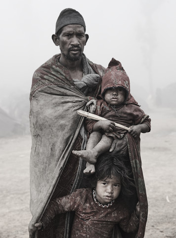 The Last Hunters-Gatherers of the Himalayas - fotokunst von Jan Møller Hansen
